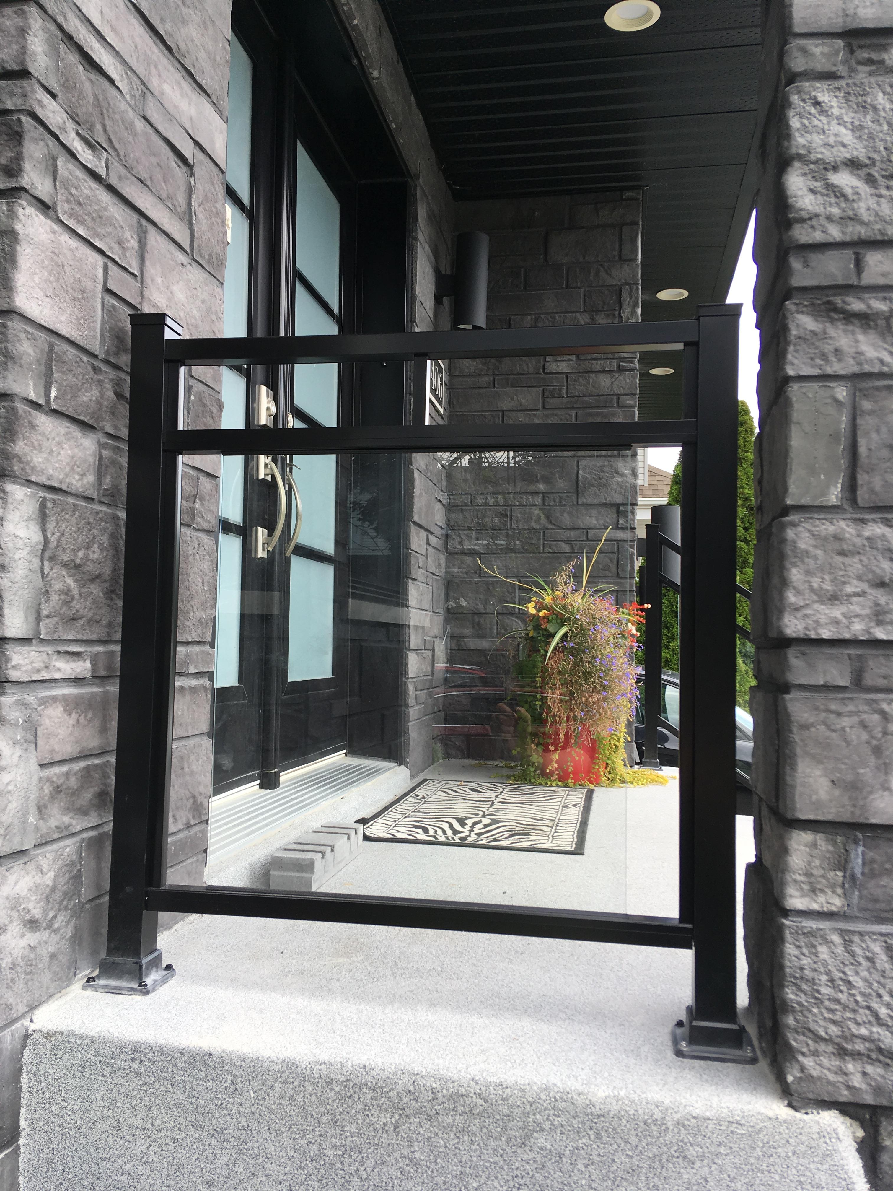 Glass railing2