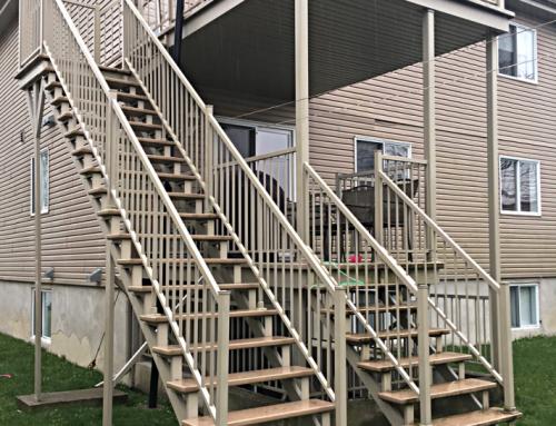 Escaliers avec rampe